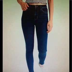 WOMENS AMERICAN EAGLE JEGGINGS SIZE 4. NWT!